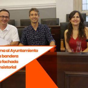 Ciutadans (Cs) Reus reclama al Ayuntamiento que cuelgue la bandera española en la fachada del edificio consistorial